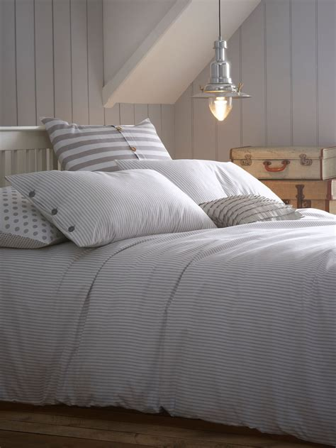 white and grey bed linen compare prices of duvet covers read duvet cover reviews