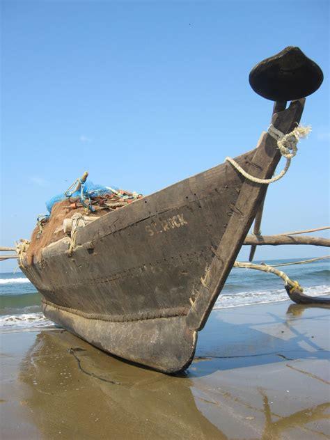fishing boat engine in india fishing boat in goa india travel forum indiamike
