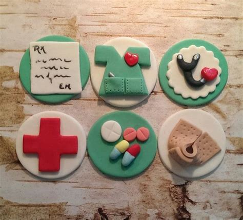 Nursing Cupcake Decorations by 25 Best Ideas About Fondant Cupcake Toppers On Fondant Cupcakes Easy Fondant