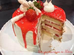 layer cake aux fraises les gourmandises de n 233 mo