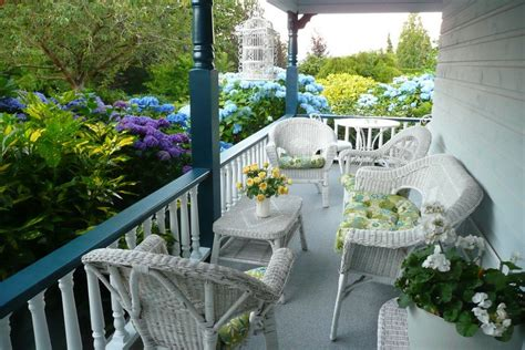 Small Porch Furniture Summer Decors Infused With White Wicker Furniture
