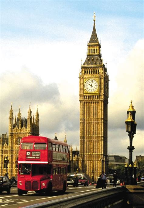 big ben 20 amazing architecture landmarks around the world