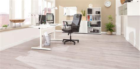 kleines bürogebäude design vinylboden wohnideen infolead mobi