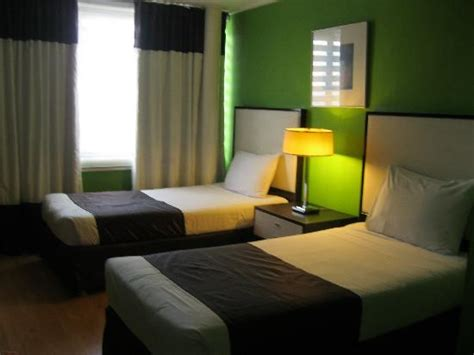 2 bedroom astoria bedroom with 2 twin beds picture of astoria plaza pasig