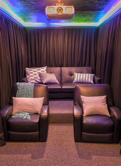 home theatre arrangement in living room 25 best ideas about home theater rooms on home theater theater rooms and