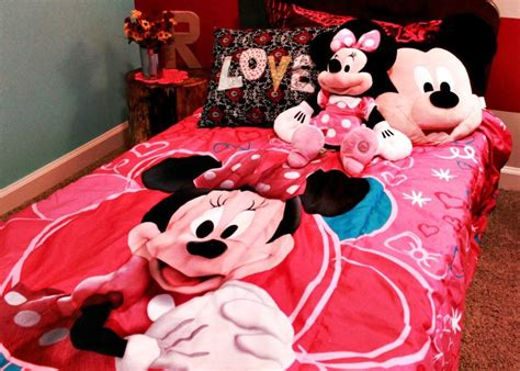 mickey and minnie mouse bedroom ideas a sweet minnie