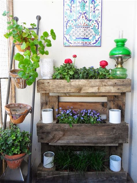 outdoor deko tips for innovative use of wood pallets in the