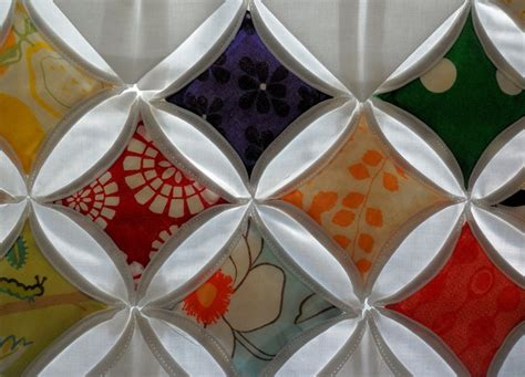 Cathedral Window Patchwork Tutorial - 1000 images about cathedral windows on