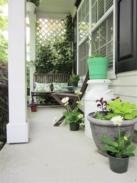 Colorful Outdoor Planters Pop Of Color On The Porch The Honeycomb Home