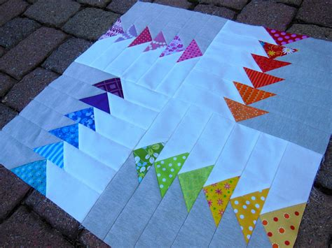 modern mini quilt basting and quilting color