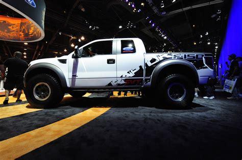 Sticker Raptor Sticker Mobil Ford Ranger Kaca ford concept raptor xt picture 27777