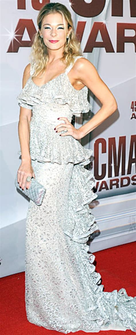 Cma Awards Leann Rimes by Leann Rimes At The 2011 Cma Awards Carpet 24 7 What