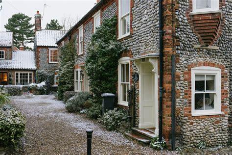 blakeney norfolk places posts cottages