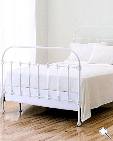 White Iron Beds by 17 Best Ideas About White Iron Beds On Iron