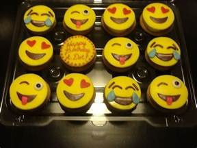 Alvin And The Chipmunks Party Decorations 10 Images About Emoji Theme Party On Pinterest Smiley