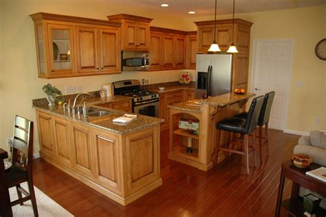 Hand Crafted Glazed Maple Cabinets By Custom Corners Llc Maple Kitchen Furniture