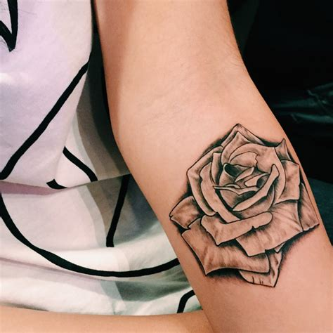 black n white rose tattoos 28 white on black designs 15 black and white