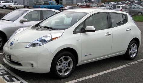 car of nissan nissan leaf