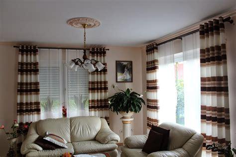gardinen und vorhänge für wohnzimmer wand streichen ideen