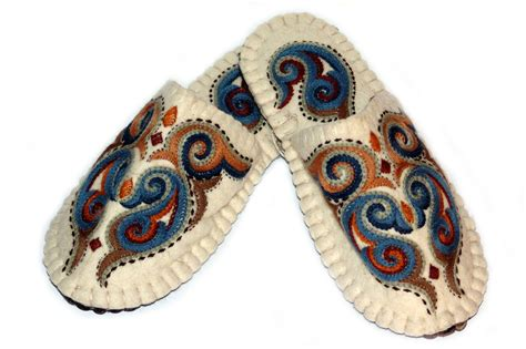 Handmade Slippers - handmade felted slippers with sole and rich embroidery