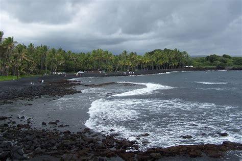 black sand beaches hawaii black green where to find hawaii s phenomenal