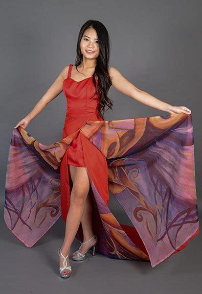 Model Dress Simple Elegant