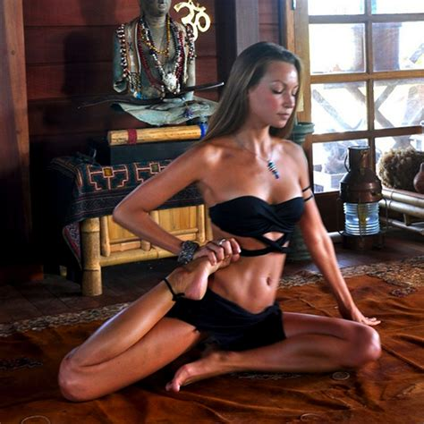 hot girls yoga poses total pro sports 15 sexy yoga poses