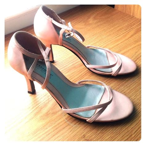 expressions shoes 80 expressions shoes pretty light pink heels from