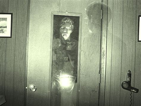 Shocking Recent Ghost Sightings In Bangalore Boldsky Com Step Out The Front Door Like A Ghost