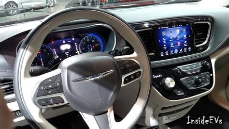 Chrysler Pacifica Interior by Chrysler Pacifica In Hybrid At The 2016 Naias