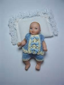 Handmade Knitted Dolls - handmade knitted for miniature baby doll rb316