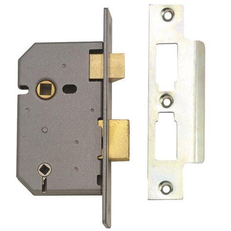 bathroom sashlock union 2226 3 lever bathroom sashlock 65mm 2 5 quot
