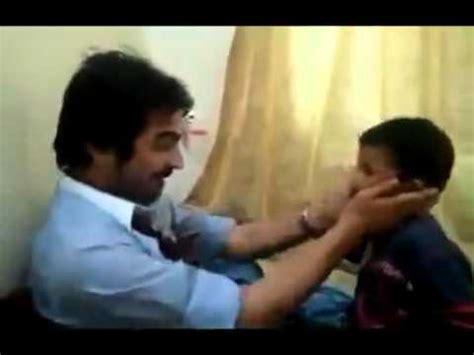 monja coje con el padre padre golpea a su hijo a cachetadas youtube