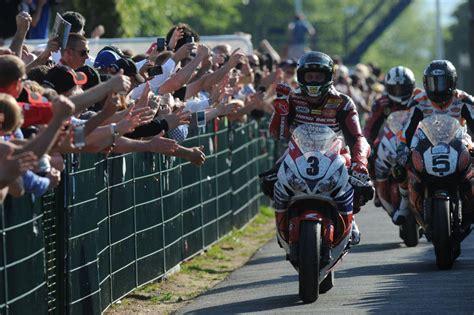 Motorradvermietung Isle Of Man by Dunlop Partner Der Tt Motorrad News