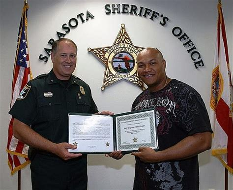 Sarasota Sheriff Office by Soldier On Leave In Florida Subdues Bank Robber News