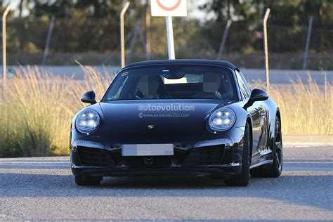 porsche headlights porsche 911 targa facelift shows new headlights in latest