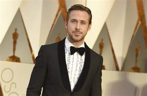 neil armstrong biography in telugu ryan gosling s neil armstrong biopic to release on 2018