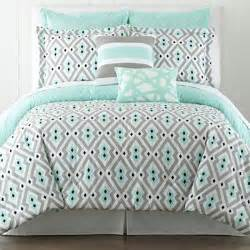 Best Light Comforter by 25 Best Ideas About Modern Comforter Sets On
