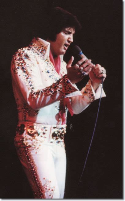 elvis in a trap books elvis las vegas september 3 1973