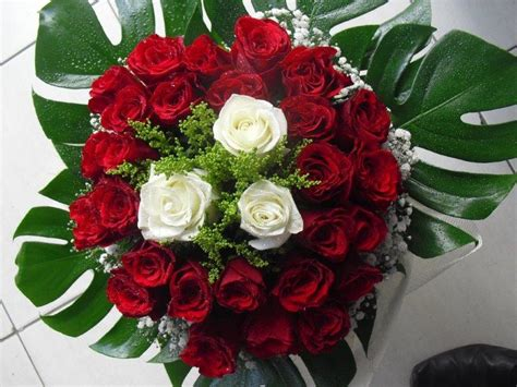 Send Flowers by Dubai Flower Deliverysending Flowers As Gift To Dubai Is A