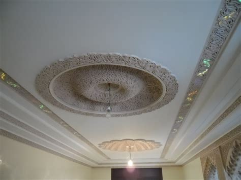 Decor Platre Maison by Decoration Platre Plafond Simple Obasinc