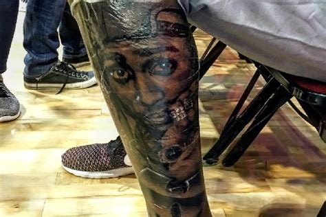 kevin durant tattoo kevin durant got an new tupac on his leg