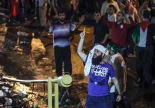 consolato israeliano istanbul in centinaia assaltano il consolato israeliano