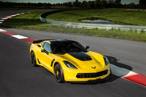 corvette stingray z06 official chevrolet introduces the 2016 corvette stingray