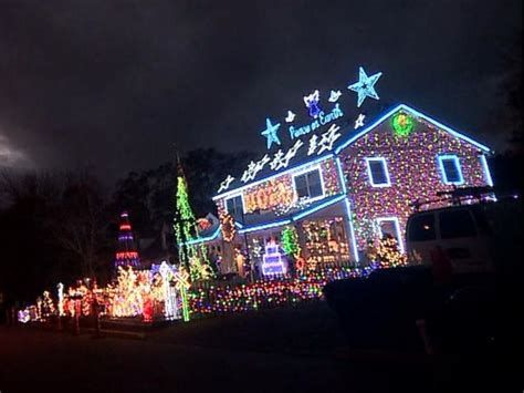 family s lights display courts