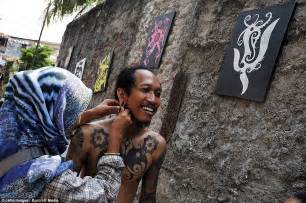 Tattoo Artist Indonesia | skin and bare it tattoo artist in indonesia shows off