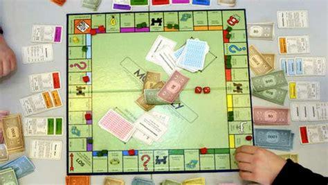 monopoli gioco da tavola i 5 giochi da tavolo vintage a cui non puoi non aver