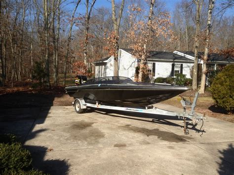 speed boat hull for sale checkmate stepped hull speed boat 1985 for sale for 200