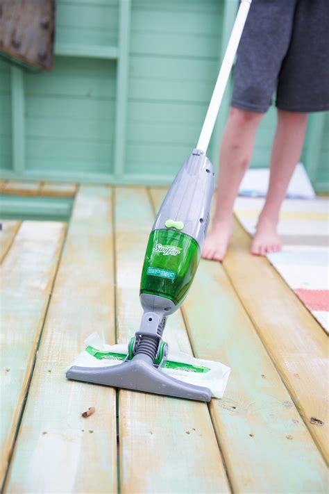 swiffer sweeper vac laminate floors