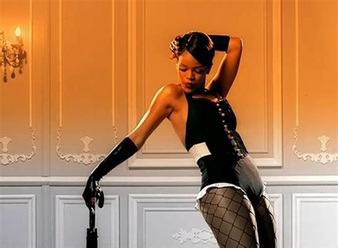 Rihanna Worldwide Launch Of Umbrella Feat Z 5 Pm Est Today by Top 10 Rihanna Of Chart Topping Career